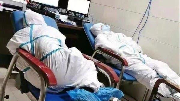 صور مؤثرة.. هكذا يواجه الأطباء والممرضون كورونا