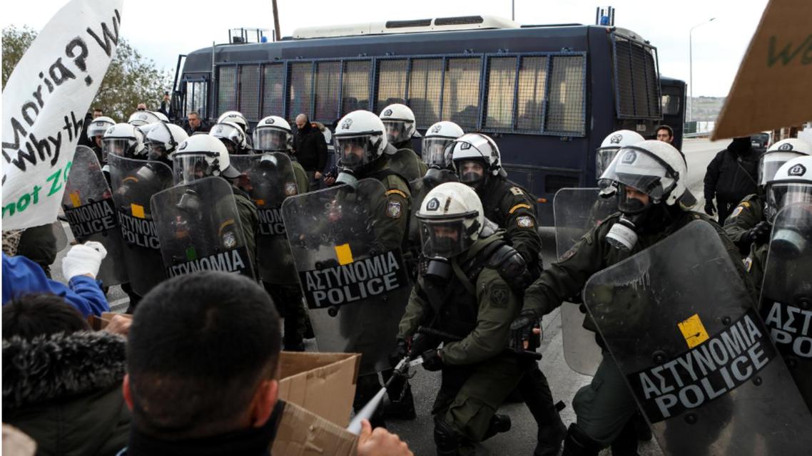 اعتراضات پناهجویان در یونان با برخورد شدید پلیس مواجه شد
