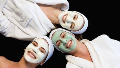 10 أقنعة طبيعية تحل أصعب المشاكل التجميلية