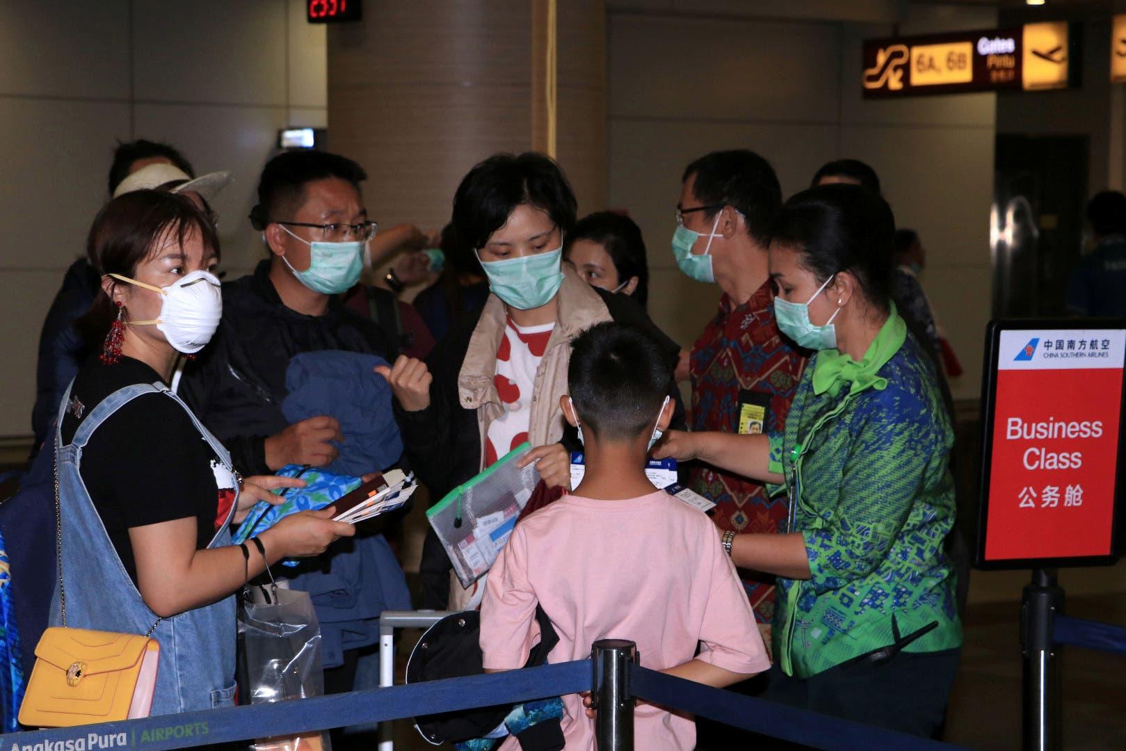 إجراءات احترازية بالمطارات