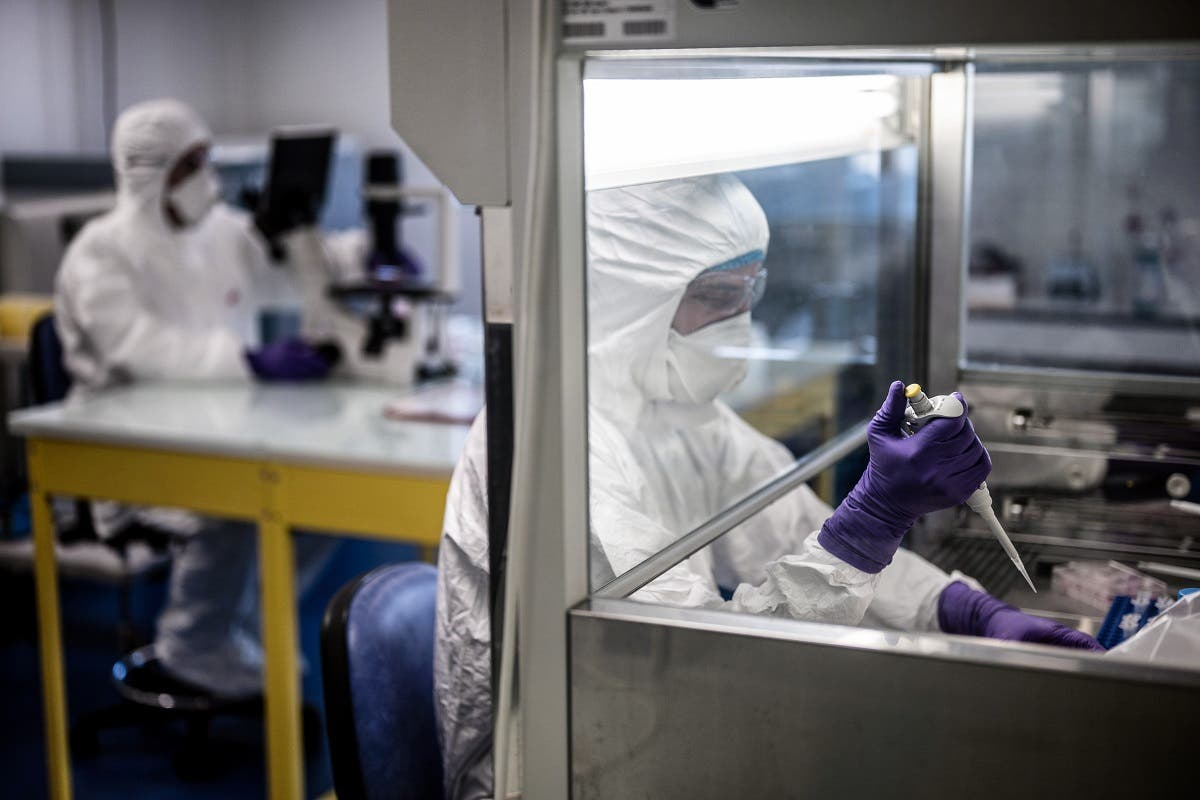 Scientists are at work in a laboratory in Lyon, France, February 5, 2020 as they try to find an effective treatment against the coronavirus. (File photo: AFP)