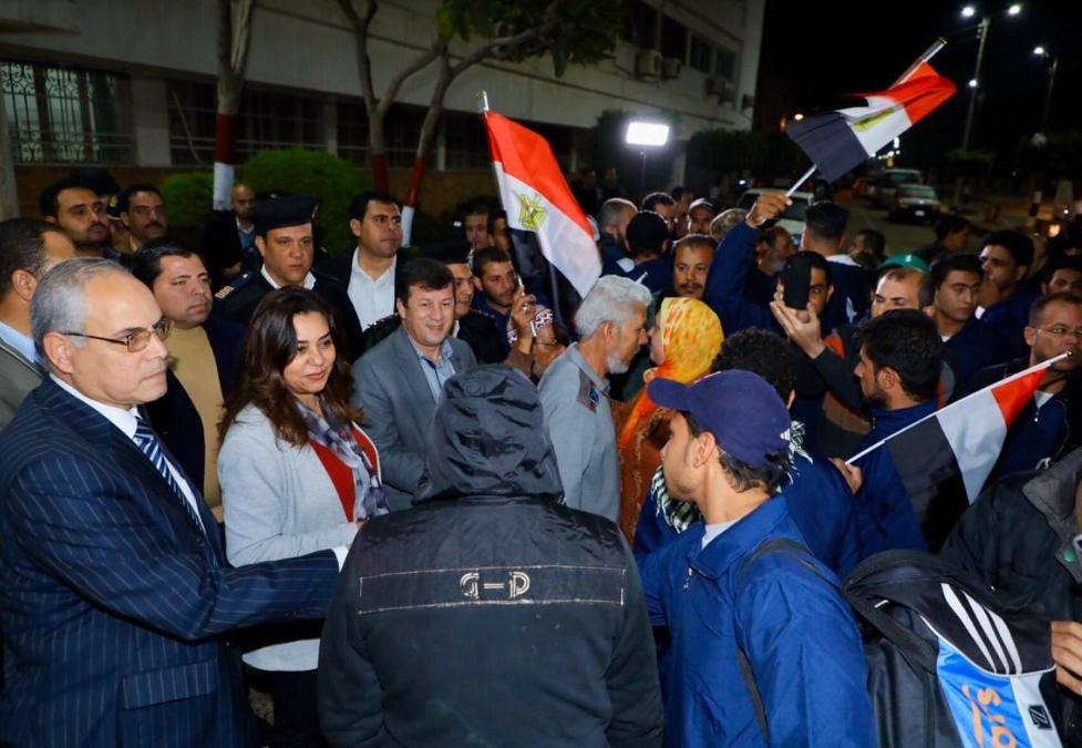 السفيرة نبيلة مكرم وزيرة الهجرة كانت في استقبال الصيادين