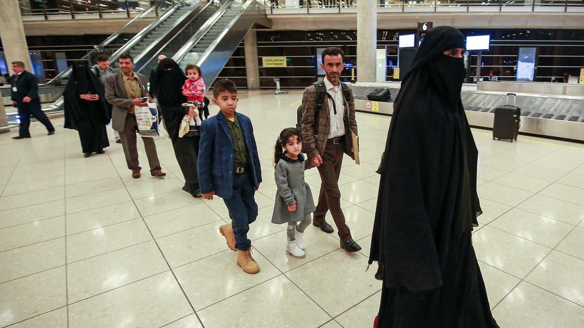 أطفال مرضى في مطار صنعاء بانتظار نقلهم إلى الأردن(أرشيفية- فرانس برس9