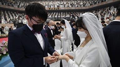 """في الصحة والمرض.. شاهد زفافا جماعيا في زمن """"الكورونا"""""""