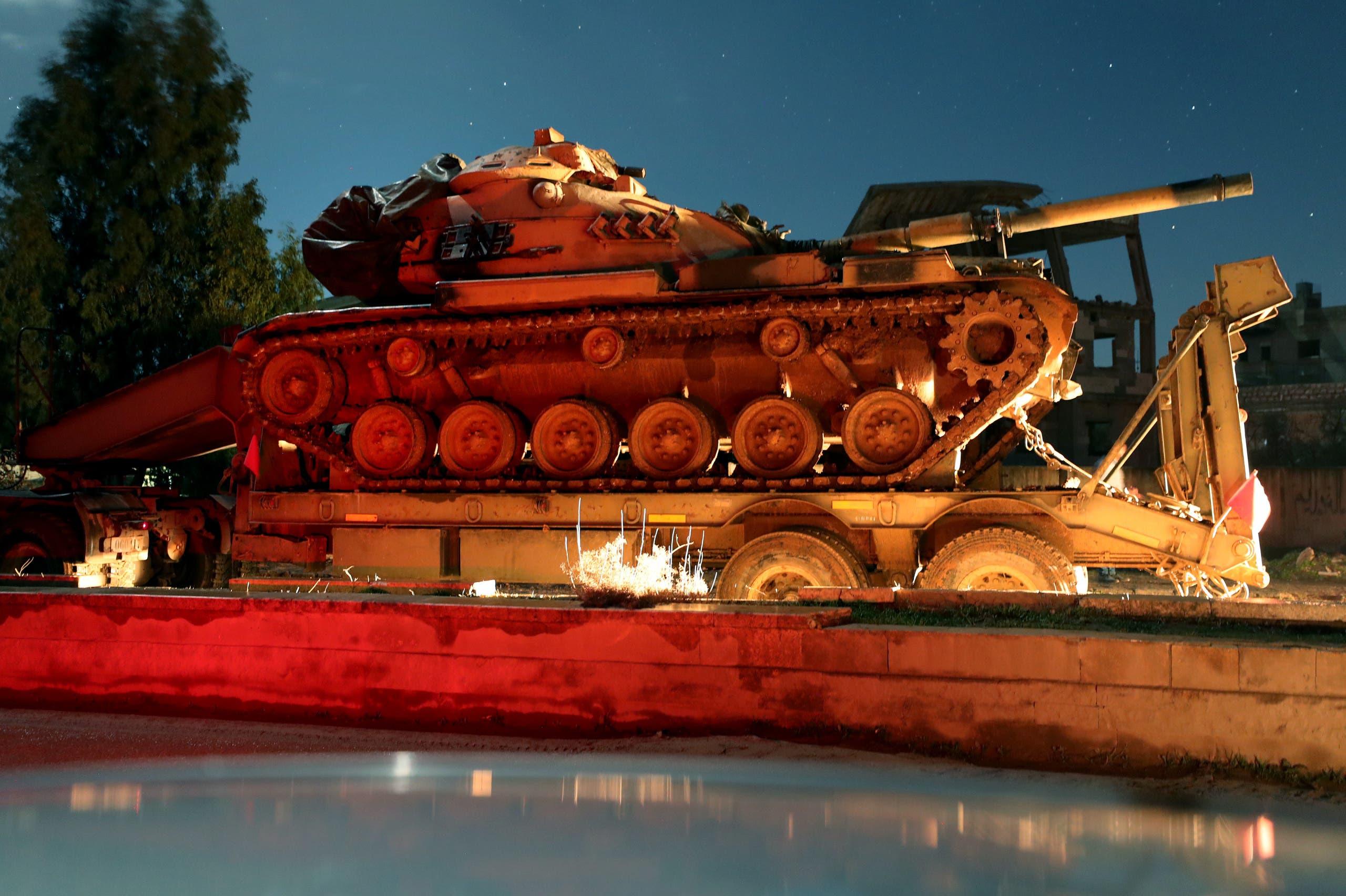 قافلة عسكرية تركية في طريقها إلى إدلب يوم 7 فبراير (فرانس برس)