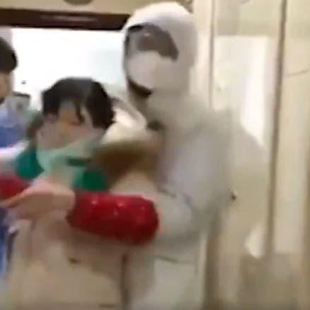 يحدث في الصين.. تفتيش منازل ونقل مصابي كورونا بالقوة