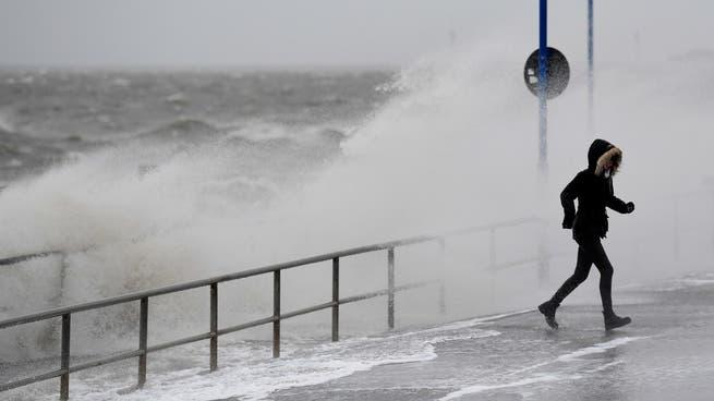 العاصفة زيتا توقف 16% من إنتاج النفط الأميركي