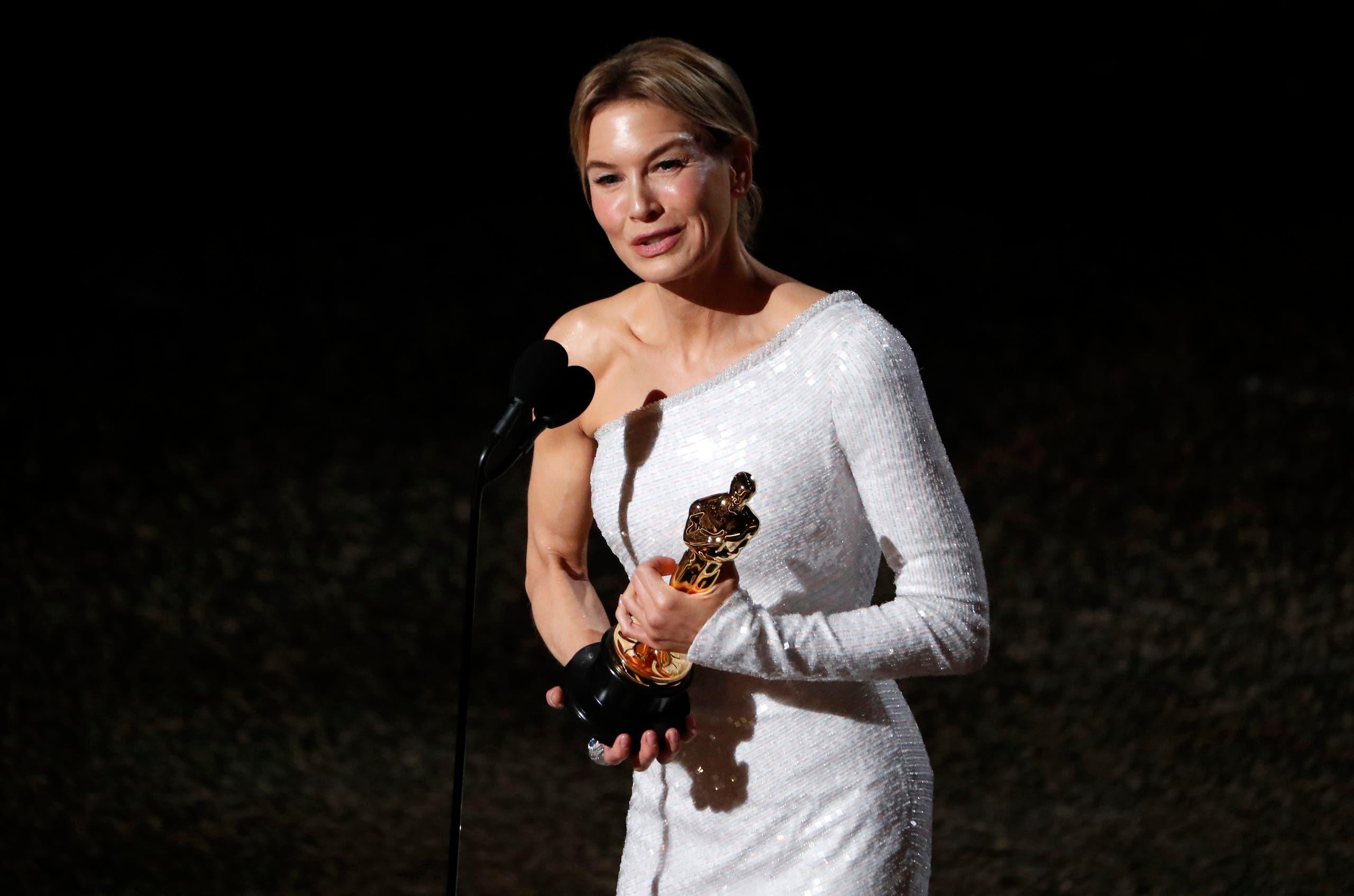 أفضل ممثلة رينيه زيلويغر
