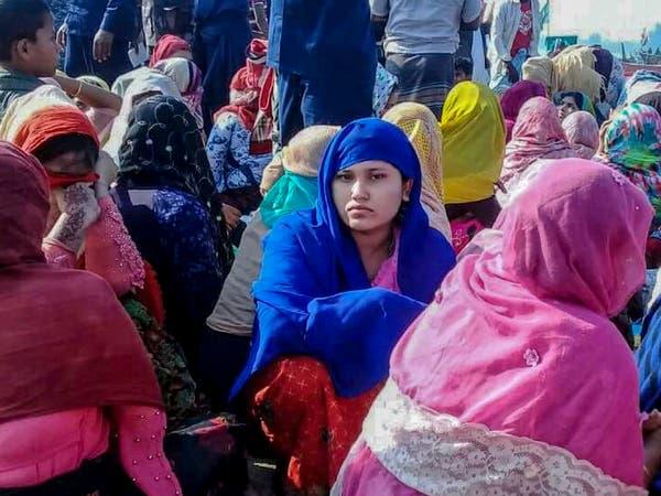 مكدسا باللاجئين.. غرق 15 من الروهينغا بانقلاب قارب