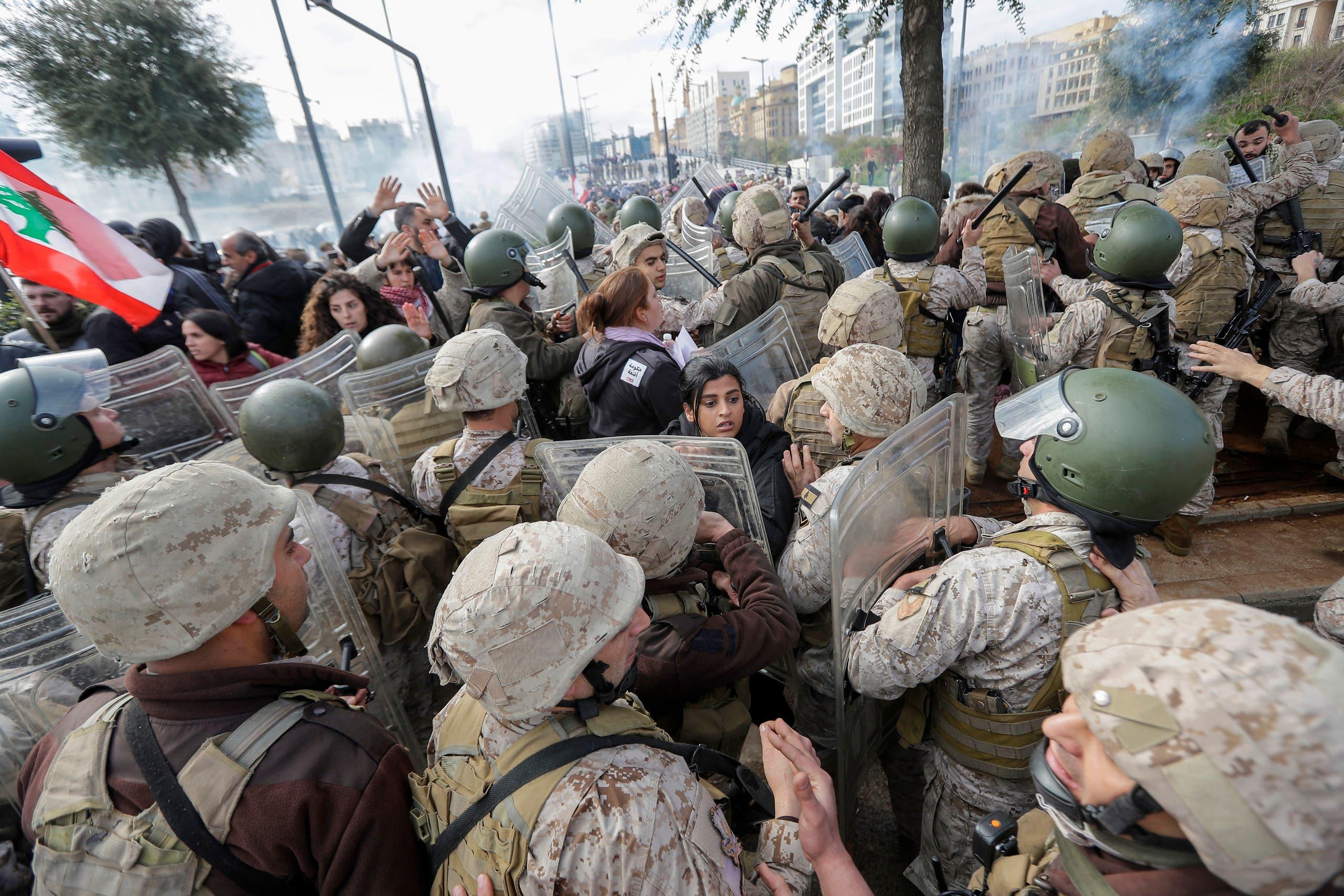من وسط بيروت (الثلاثاء 11 فبراير - فرانس برس)