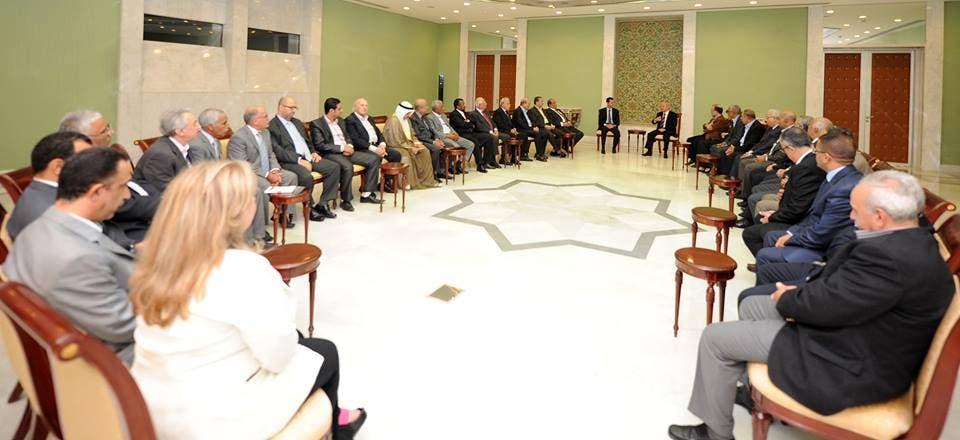 وفد التجمع العربي خلال مقابلة له مع الأسد