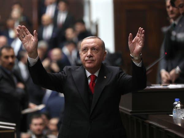 "شاهد مواطناً تركيا يحرج أردوغان: ""أبنائي جوعى"""