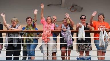 خوفا من كورونا.. كمبوديا تستقبل سفينة رفضتها 5 دول
