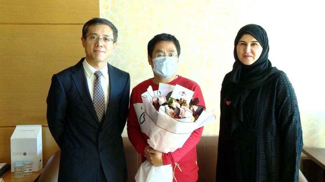 Consul-General of China to the UAE, Li Xuhang, and Dr. Fatima al-Attar with one of the two patients. (Courtesy/WAM)