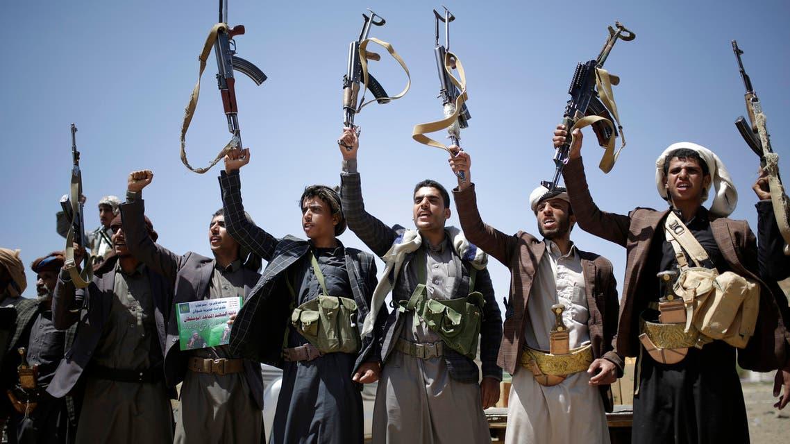 عناصر من ميايشيا الحوثي في صنعاء