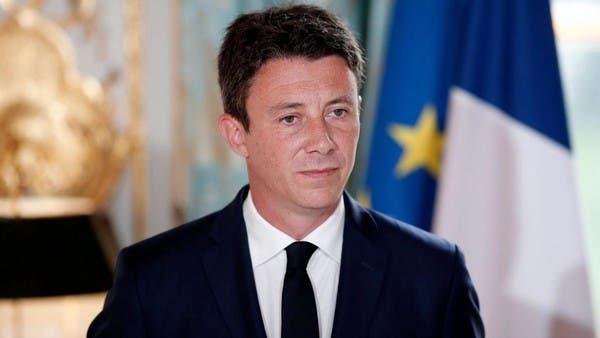 ماكرون يخسر مرشحه لبلدية باريس بعد صور فاضحة