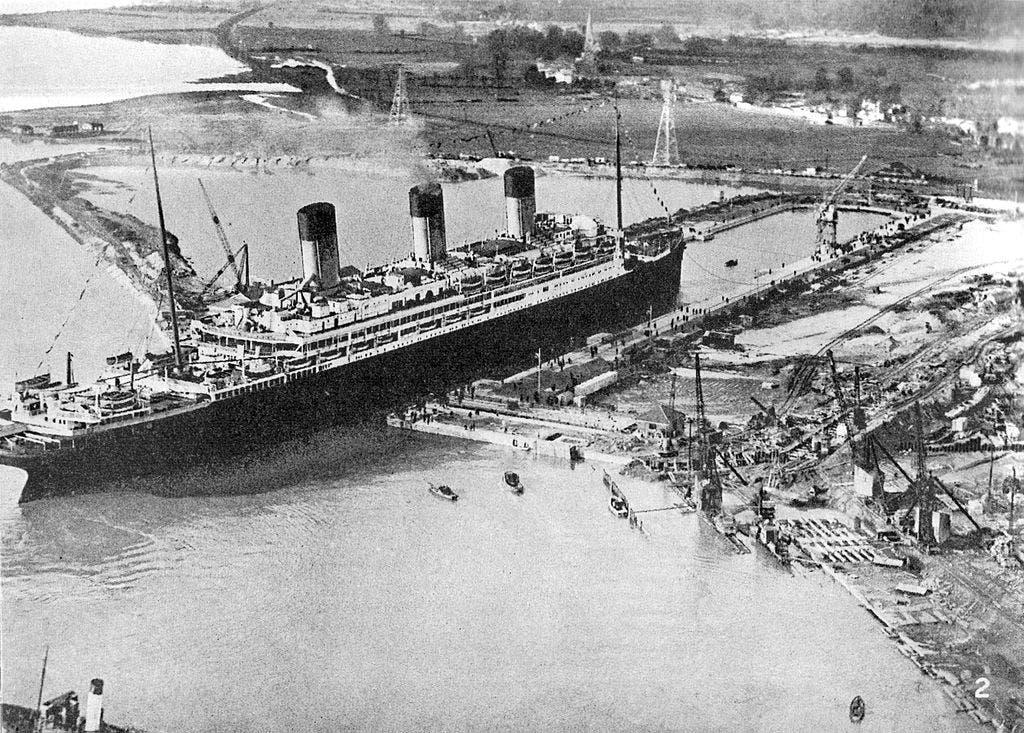 صورة للسفينة ماجستيك التي استولى عليها البريطانيون عقب الحرب العالمية الأولى