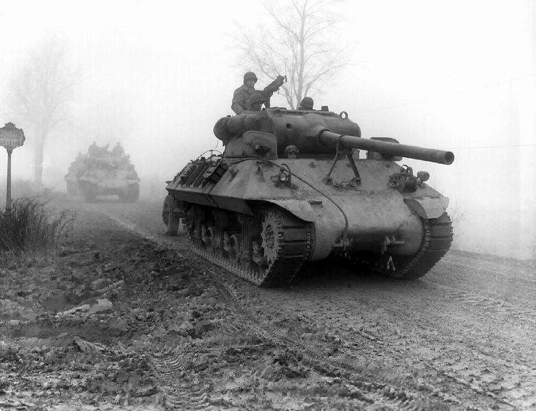 دبابة أميركية ببلجيكا أواخر 1944