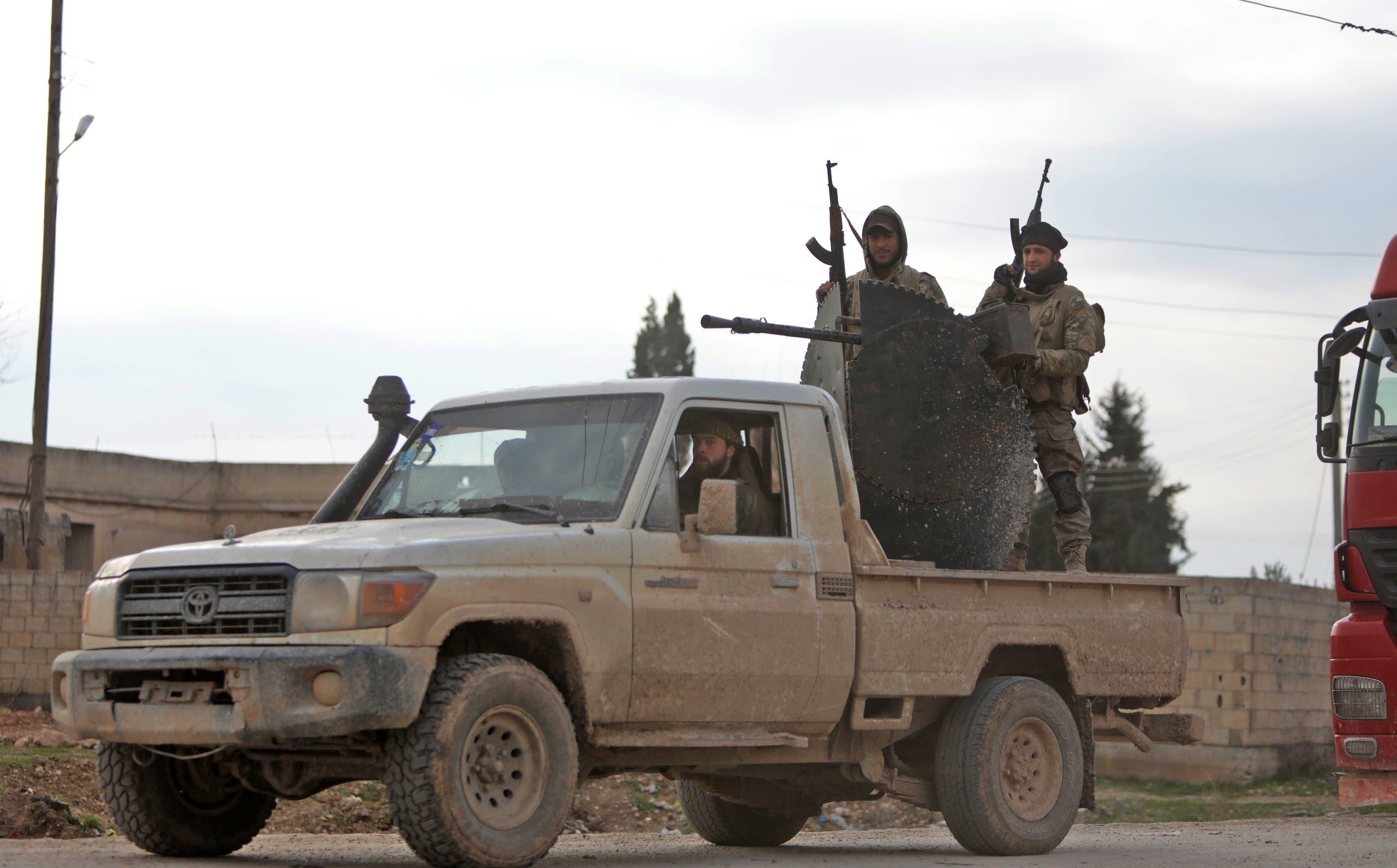 عناصر من فصائل سورية مسلحة موالية لتركيا
