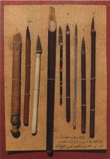 من أدوات الخطاطين