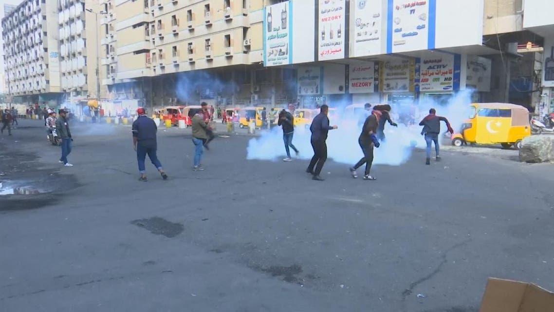 تجدد المواجهات قرب ساحة الخلاني وسط كر وفر