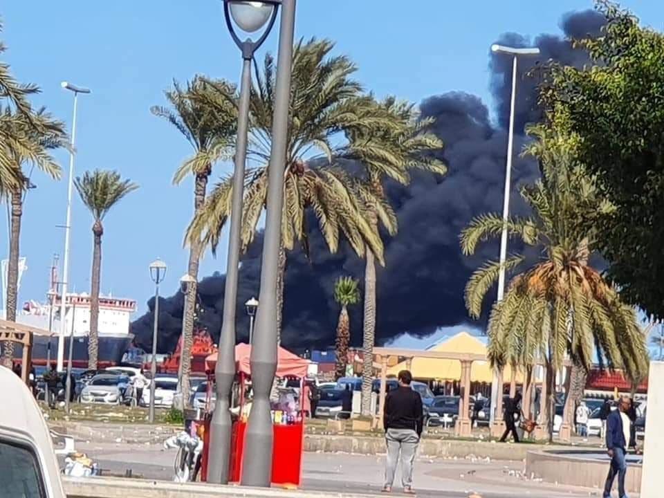 دخان في ميناء طرابلس