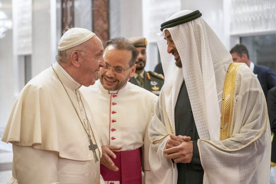 Pope Francis, Head of the Catholic Church is welcomed by Abu Dhabi's Crown Prince Mohammed bin Zayed Al-Nahyan upon his arrival at Abu Dhabi International airport in Abu Dhabi, United Arab Emirates, February 3, 2019. WAM/Handout via REUTERS ATTENTION EDITORS - THIS PICTURE WAS PROVIDED BY A THIRD PARTY