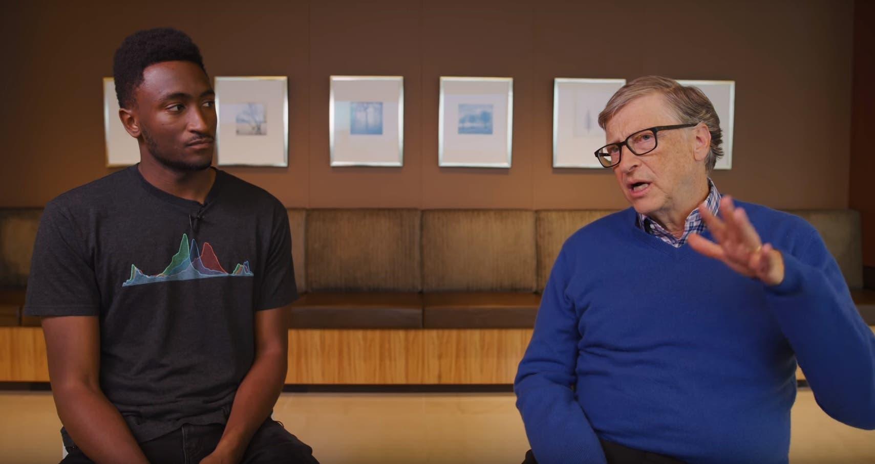 بيل غيتس يتحدث عن السيارات الكهربائية والتغير المناخي مع ماركيس براونلي