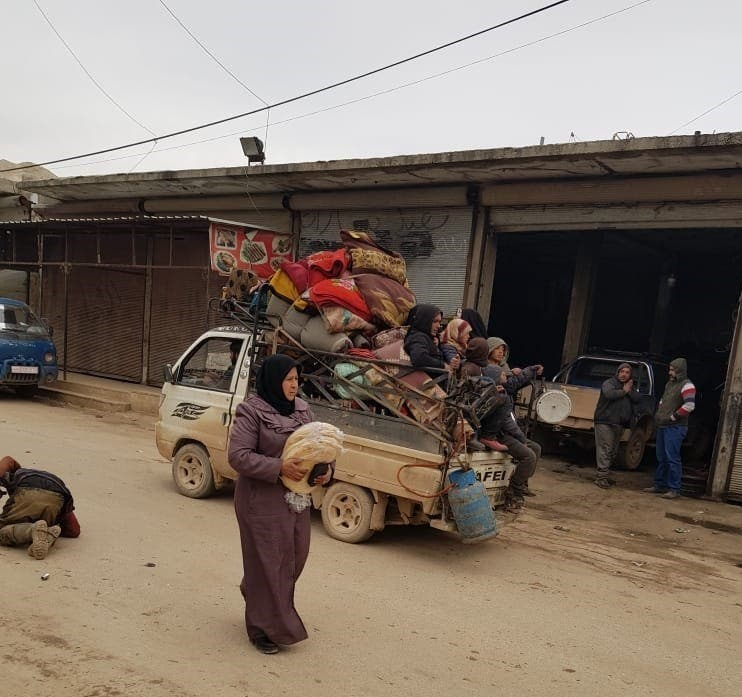 women fleeing Idlib province in a car - MSF