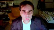 فيديو للألماني كاره الأجانب وقاتل أمه و9 مدخنين للشيشة