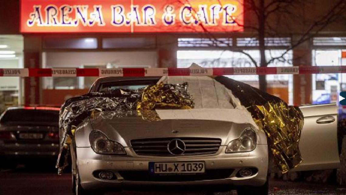 السيارة تركها الجناة خارج المقهى الثاني