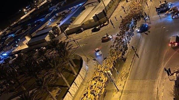"""شاهد.. آلاف الإبل """"تقتحم"""" طرابلس الليبية ليلاً"""