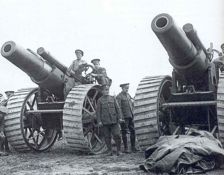 صورة لعدد من المدافع البريطانية بالحرب العالمية الأولى