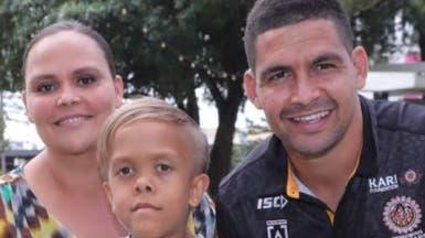 بعد الدموع.. طفل التنمر الأسترالي يعيش أجمل يوم بحياته
