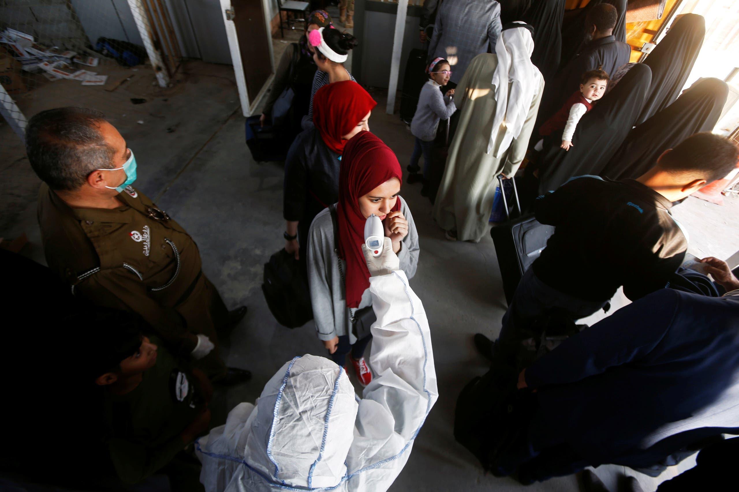 الكشف على عراقيين قادمين من إيران بمعبر حدودي