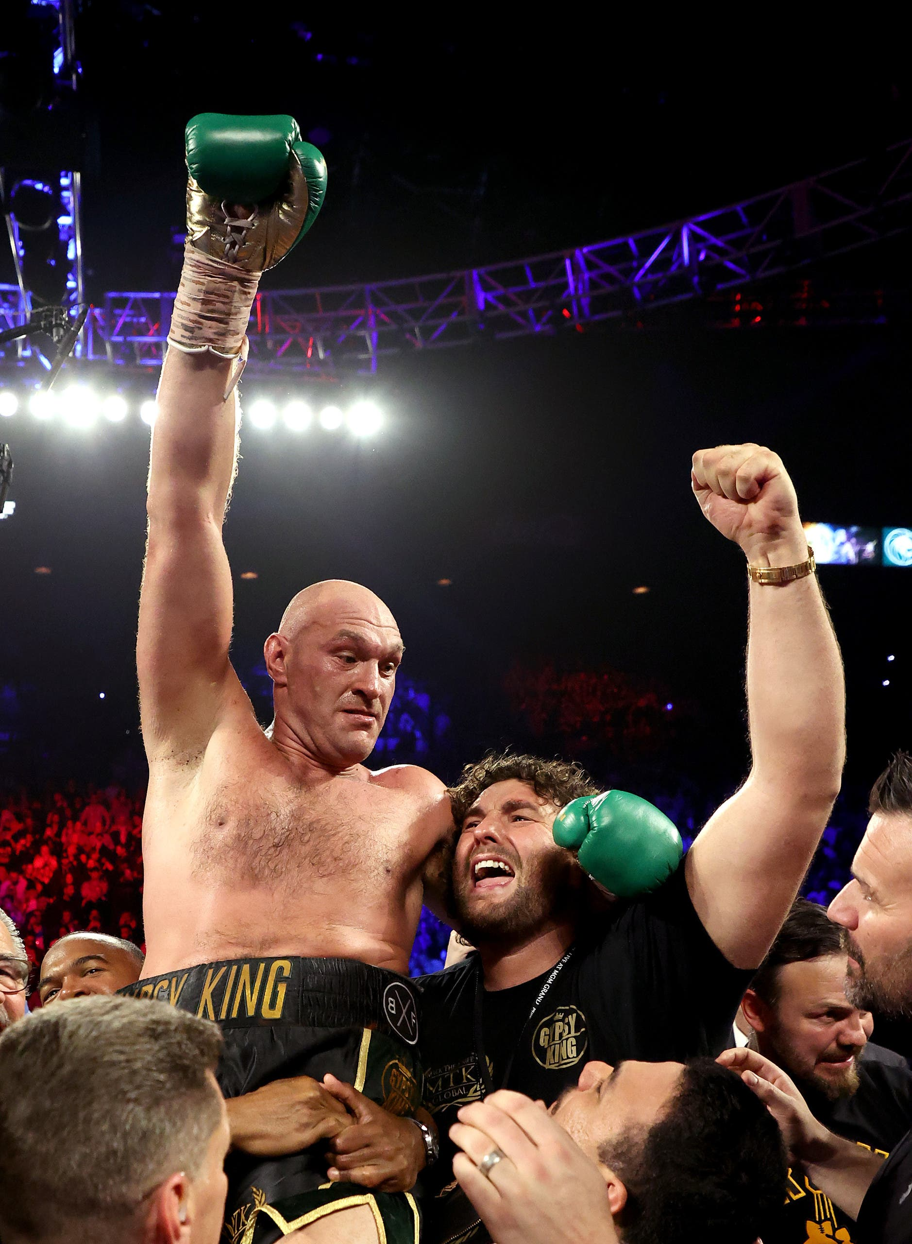 Fury, Wilder win - AFP