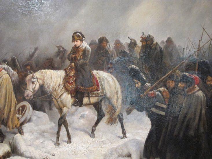 نابليون أثناء مغادرته لروسيا مهزوما