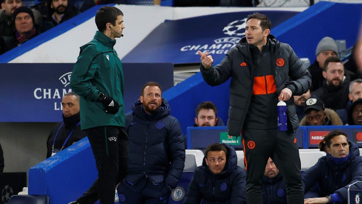 """لامبارد يطالب لاعبي تشيلسي بـ""""التواصل"""" داخل الملعب"""