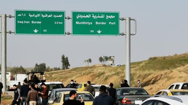 """""""أغلقوا الحدود مع إيران"""".. عراقيون غاضبون بسبب كورونا"""