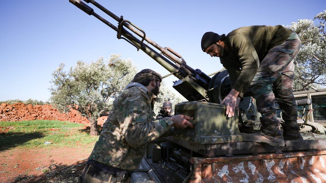 الفصائل السورية المسلحة المدعومة من أنقرة بالقرب من سراقب (أرشيفية- فرانس برس)