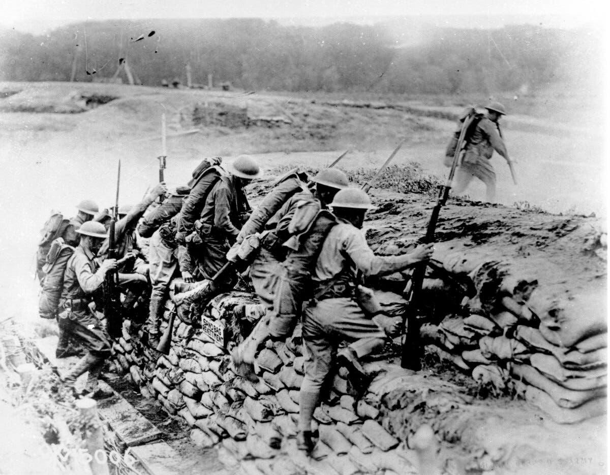 صورة لجنود شاركوا بالحرب العالمية الأولى