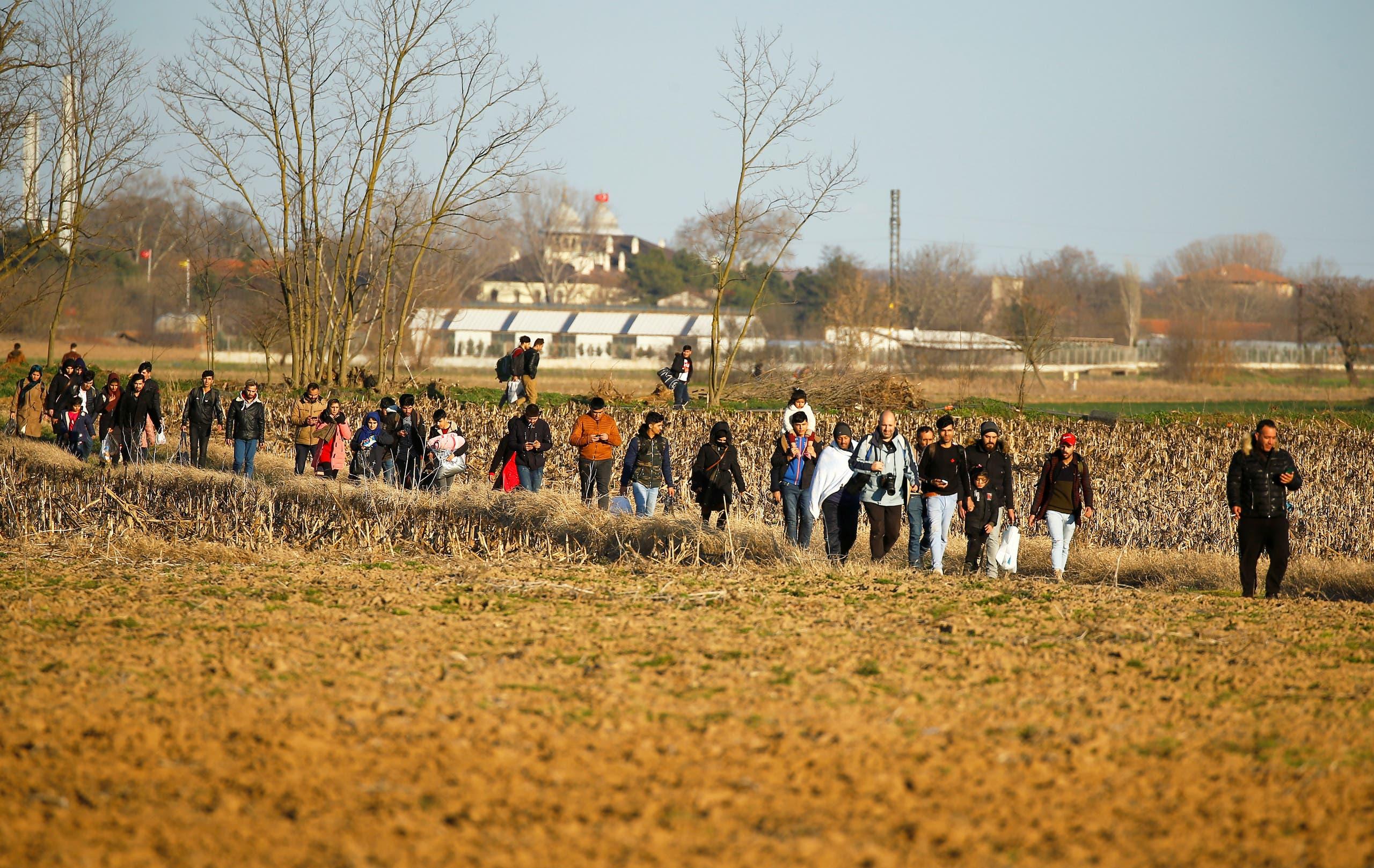 مهاجرون على الحدود التركية اليونانية