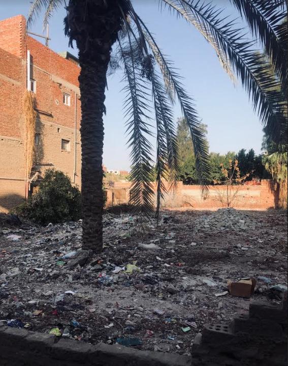 موقع الأرض التي كان مقاما عليها منزل أسرة الرئيس مبارك والذي تربى فيه