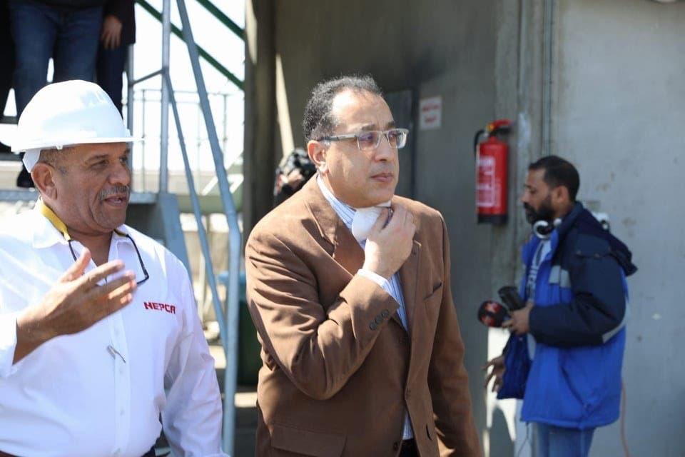 رئيس الوزراء المصري خلال جولته