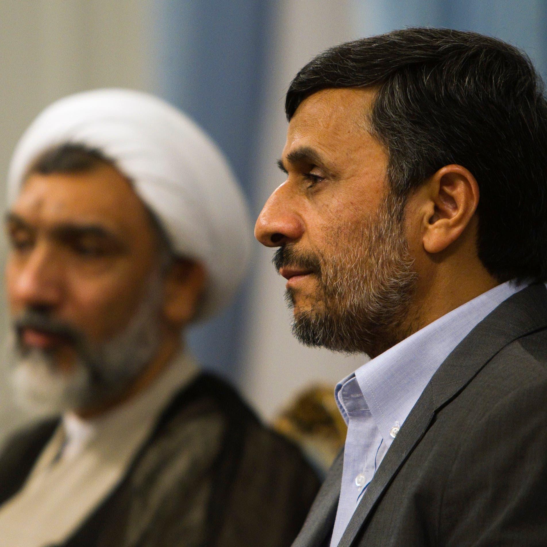 """أشعل موجة انتقادات.. أحمدي نجاد """"أنا علماني وديمقراطي"""""""