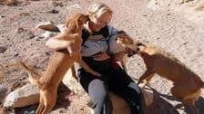 غموض يلف مقتل بريطانية شُوه وجهها وسط كلابها في سيناء