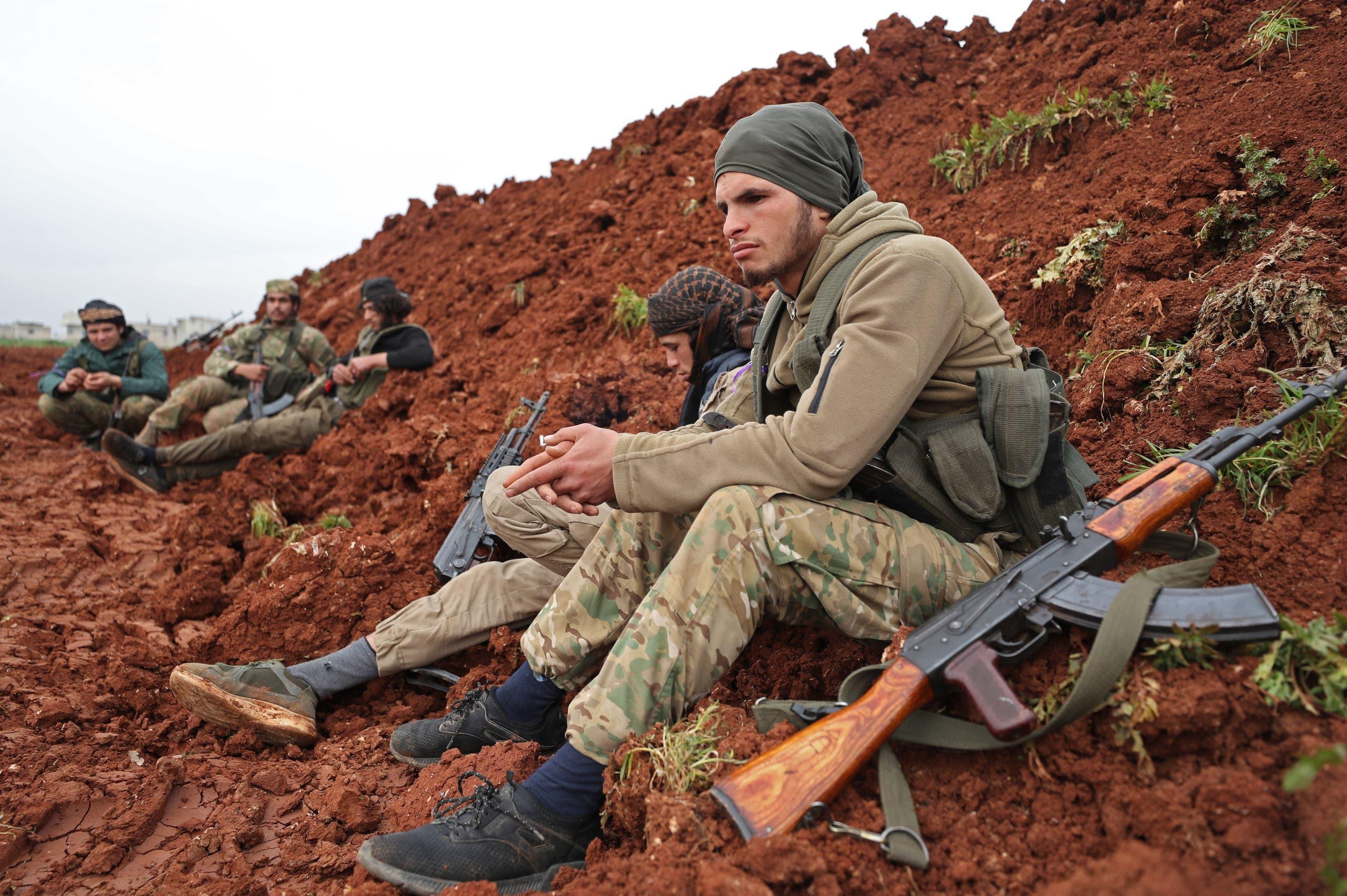 فصائل سورية مدعومة من أنقرة في تفناز بإدلب (27 فبراير - فرانس برس)