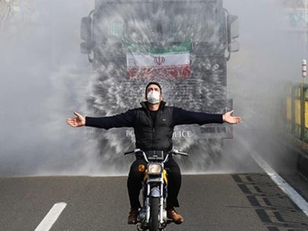 الحرس الثوري على خط  كورونا في إيران.. بحرب كيماويات