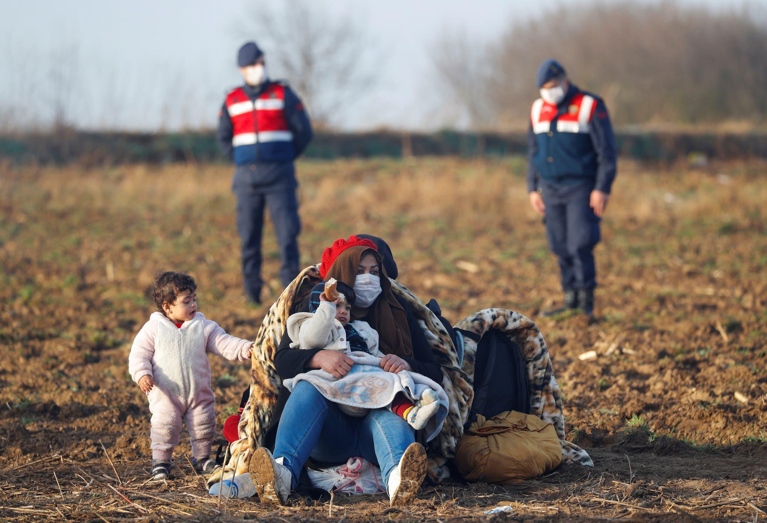 مهاجرون على الحدود اليونانية التركية