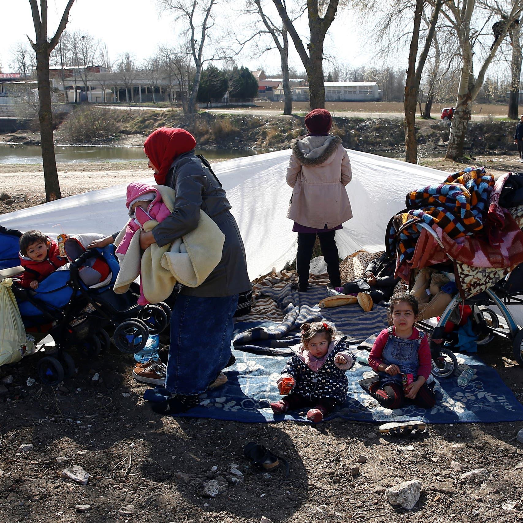 فرنسا: استغلال تركيا للمهاجرين لابتزاز أوروبا غير مقبول